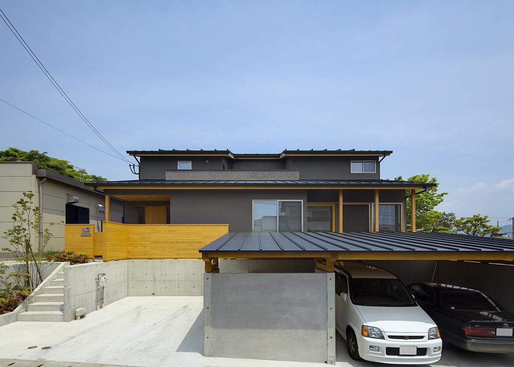 光庭のある二世帯住宅