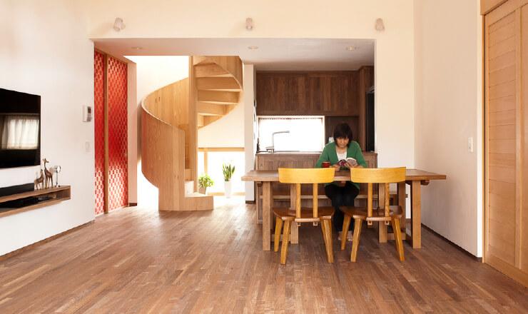 """""""無垢素材で造る家""""  見える所だけではなく、見えない所にも無垢素材を今村工務店の考える、""""無垢素材で造る家""""とは?"""