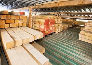 木材の自社加工にこだわる理由